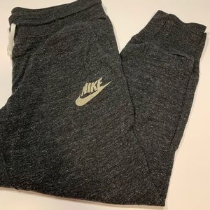 Nike Gray Sweatpants Joggers Crop Size medium